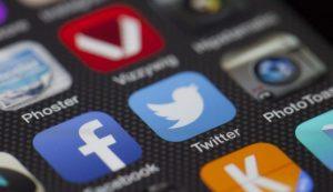 using social media at work risks
